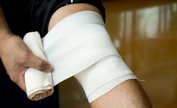 Эластичный бинт при артрите коленного сустава