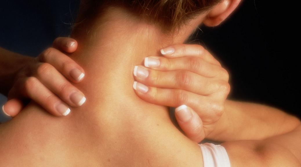 5 распространенных причин боли в шее
